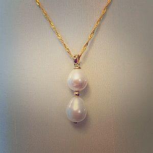 Jewelry - Genuine Cultured 12MM Cultured Pearl Necklace.